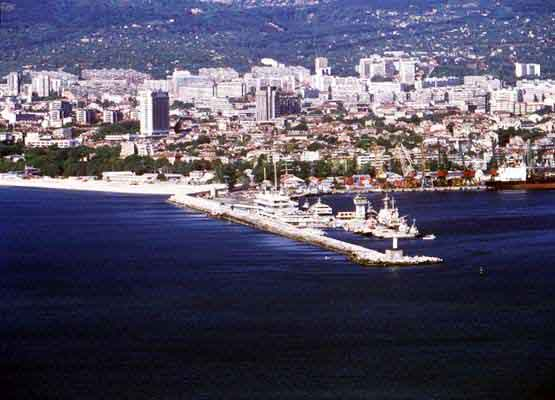 external image varna-port03.jpg